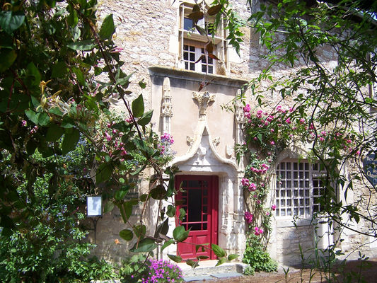 Exterieur jour - La Maison des Chanoines - Turenne - Vallée de la Dordogne