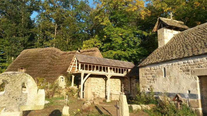 Les Fermes du Moyen Age Saint Julien aux Bois Vallée de la Dordogne Tourisme Rocamadour  # Saint Julien Aux Bois