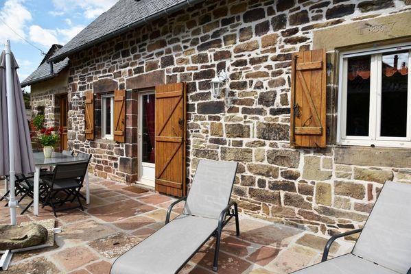 GîteCHANEL-Lagleygeolle_terrasse