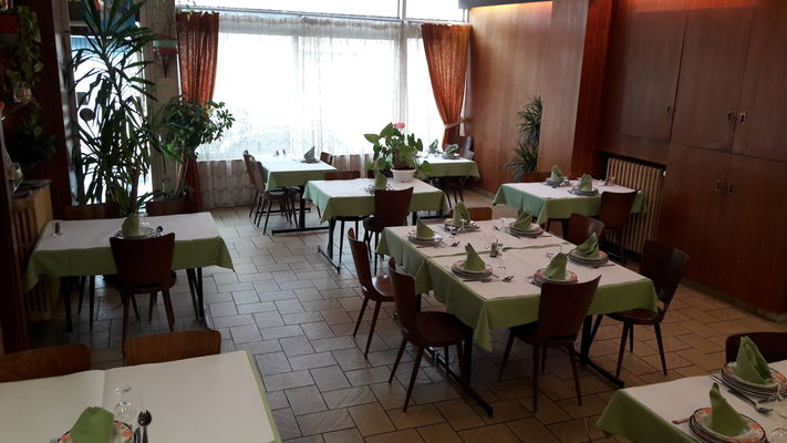 Glacier_Lacapelle_SalleRestaurant