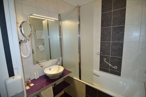 HDF. salle d bain 060