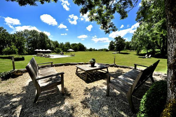 HLOMIP046FS0038K_Manoir de Malagorse - Le jardi et la piscine