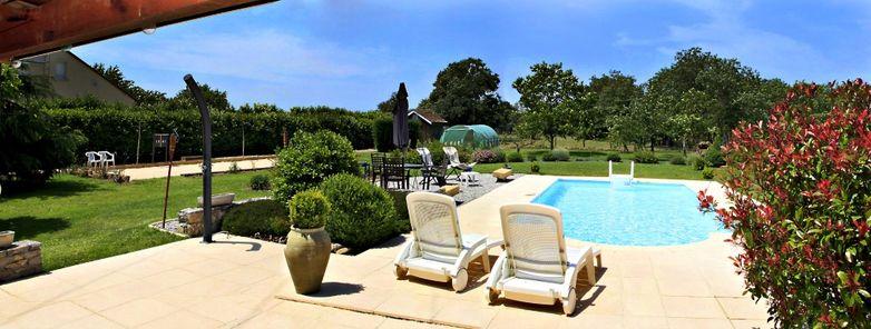 3 CH Vaysse piscine 1