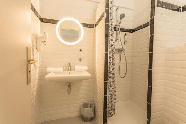 Hôtel LE Belvédère-Rocamadour-salle d'eau