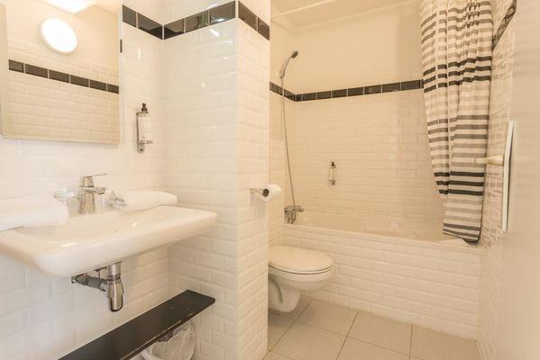 Hôtel Le Belvédère-Rocamadour-salle de bain