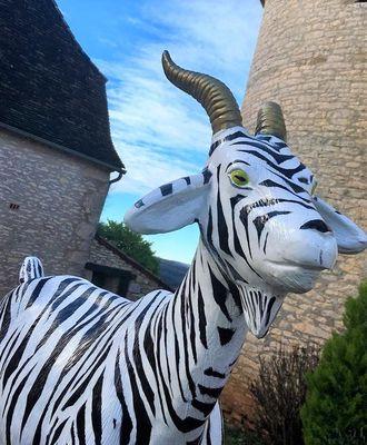 Hotel-Les-Vieilles-Tours-ROCAMADOUR--Sculpture-Chevre