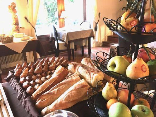 Hotel-Les-Vieilles-Tours-ROCAMADOUR-Petit-dejeuner-2