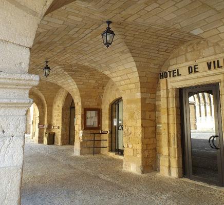Hotel de ville couverts
