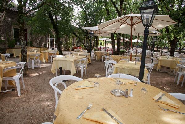 Hotel le Chateau-Rocamadour-TERRASSE RESTAURANT jour