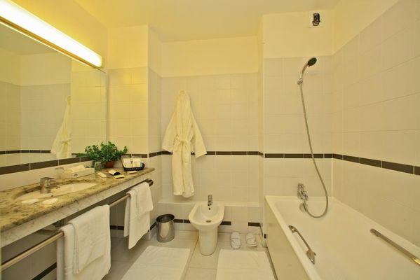 Hotel le Chateau-Rocamadour-salle de bain