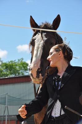 Jessica Ragi Cirque en selle
