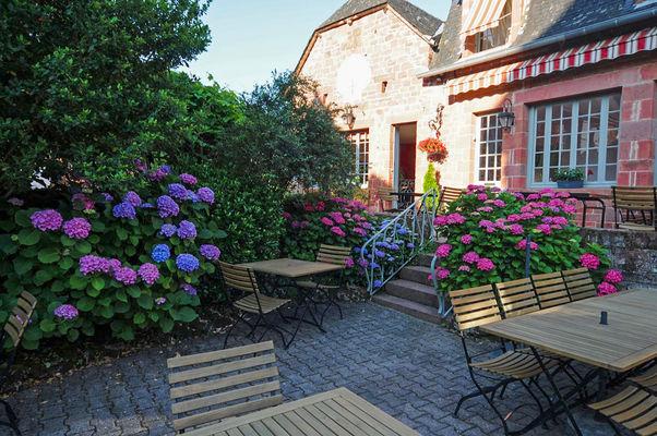 La terrasse - 3- Relais Saint Jacques - Collonges-la-Rouge