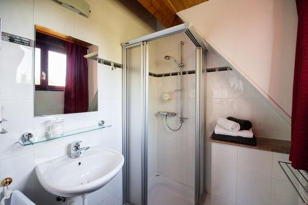 La Villa Touloumo - Mayrac - Salle de bain, Chambre Figeac