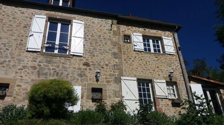 LaPebrunelle-PuyD'Arnac_facade