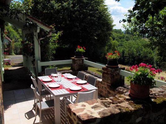 LeRouchil-Tudeils_terrasse