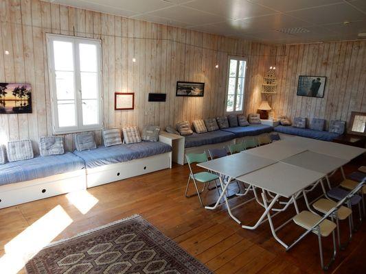 LocationCASASTELLE-MaisondesEtoiles-Noailhac_sejour