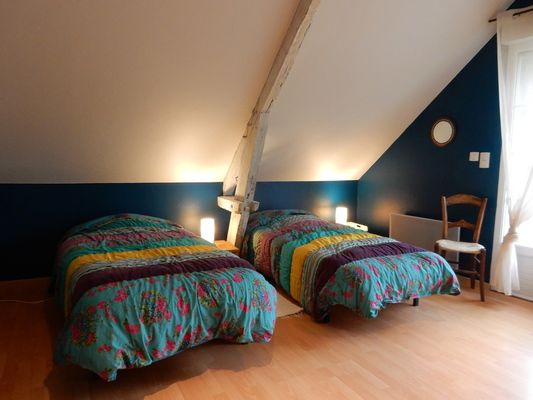 LocationGRANDE-OURSE-MaisonDesEtoiles-Noailhac_chambreTurenne2