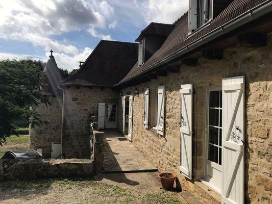 LocationVIGNAIS-Queyssac-les-Vignes_terrasseMaison