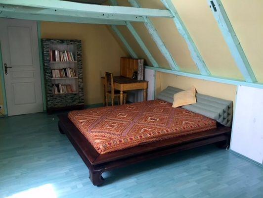 LocationVIGNAIS-Queyssac-les-Vignes_chambre1suite