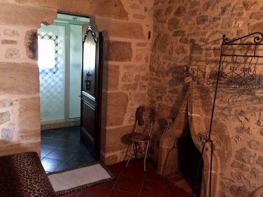 LocationVIGNAIS-Queyssac-les-Vignes_couloir