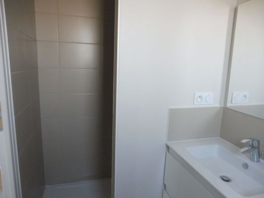 Lotendock-souillac-salle d'eau
