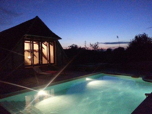 Meublé-LaPapetie-Brivezac_piscine-éclairée