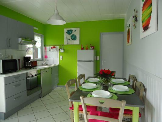 Meublé de tourisme David-chalet vert-cuisine