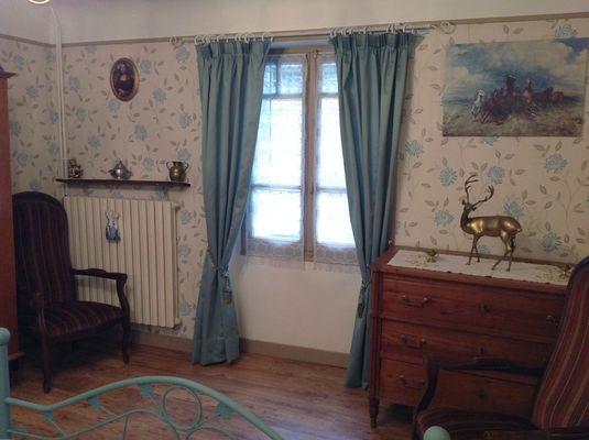 MeubléLARBRE-Aubazine_chambre2mobilier
