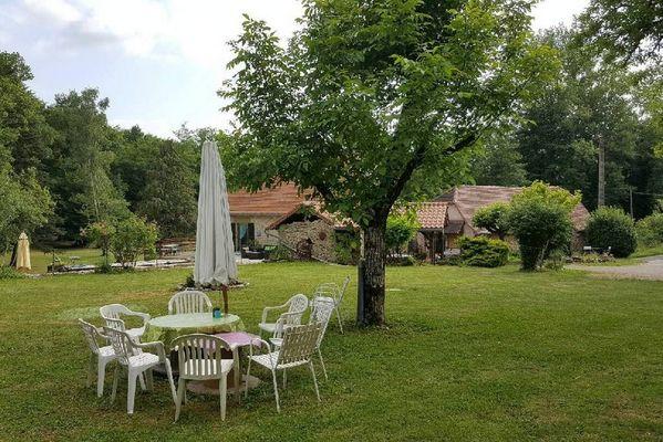 MoulinDuPouget-LaChapelleAuxSaints_jardin
