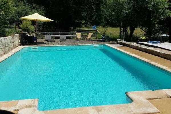 MoulinDuPouget-LaChapelleAuxSaints_piscine