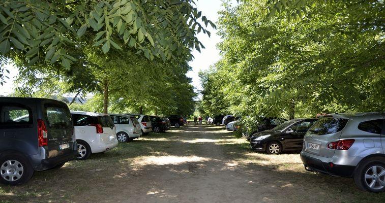 Périgord Aventure Loisirs  Vitrac Parking ombrégé