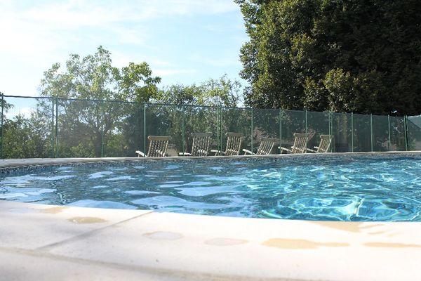 Plage de la piscine commune
