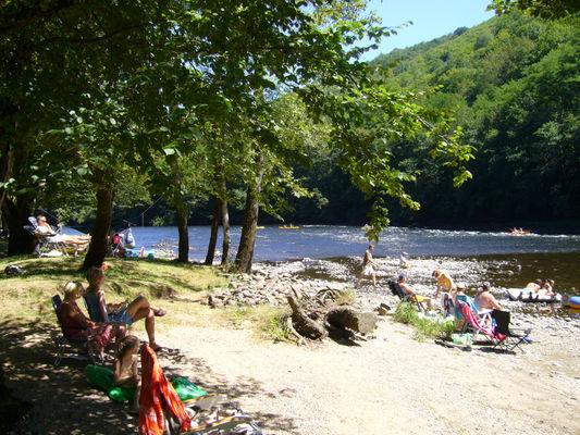 Plage du camping - Camping le Vaurette - Argentat - Vallée de la Dordogne