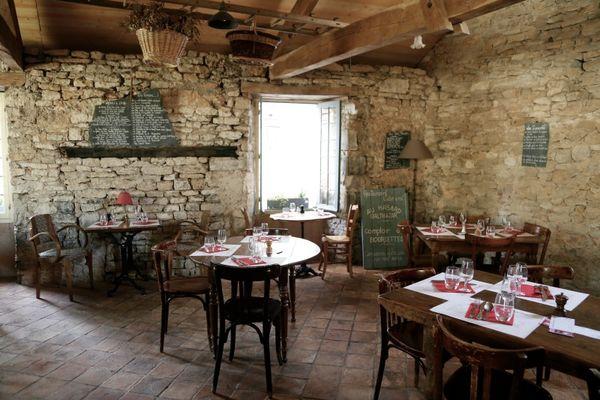 2 salle restaurant Au Hasard Balthazar Martel