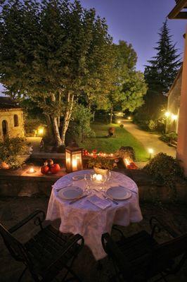 RelaisStAnne_Vue sur la terrasse soir