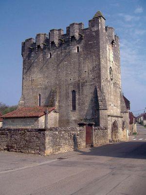 Rudelle, église fortifiée