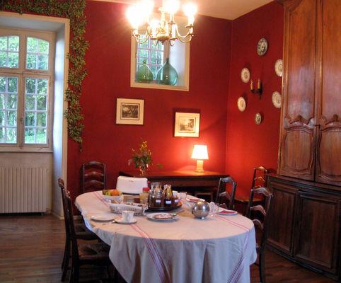 Salle à manger - Le Pradel - Monceaux-sur-Dordogne