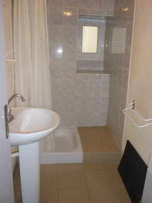 Salle d'eau RDC (2)