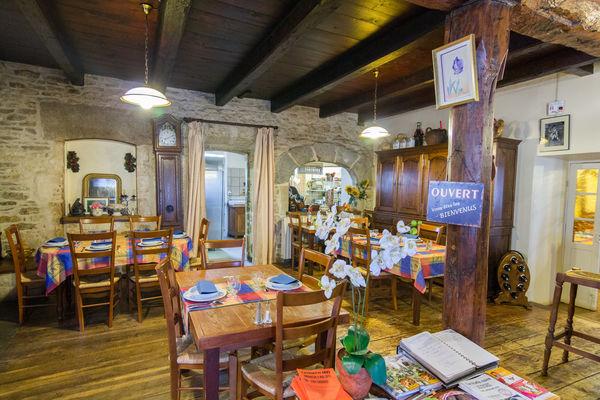 Salle principale Restaurant Lou Bourdié à Bach ©© Lot Tourisme C. Novello 160414-121233