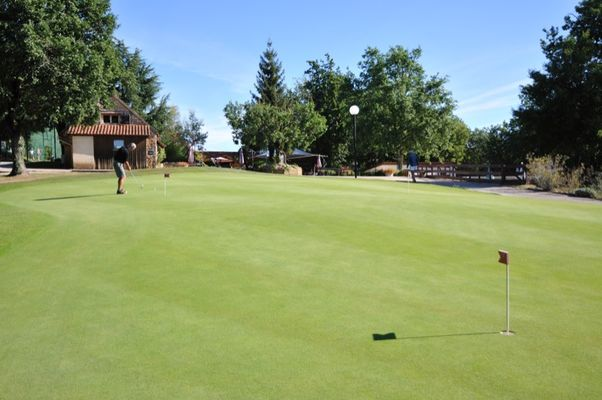 Souillac Country Club_Golf putting green