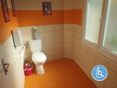 Toilettes-Handicap-4-R
