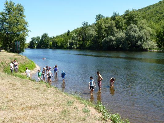 Baignade dans la Dordogne à Vayrac