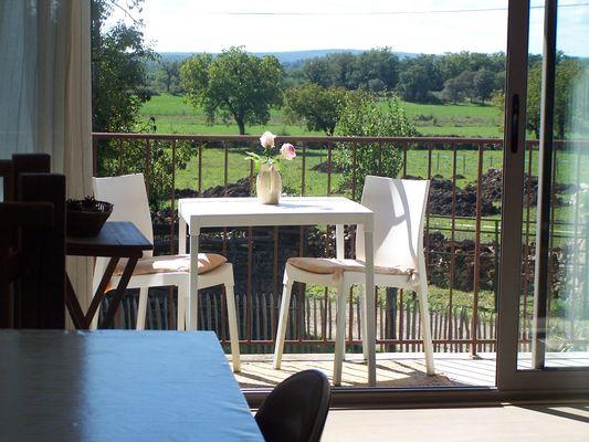baie vitrée, balcon et vue GD