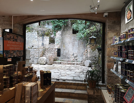 boutique rocamadour cours interieur