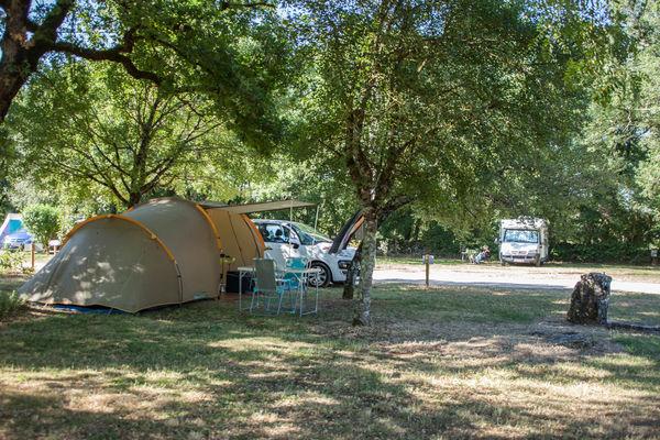 camping-ferme-des-campagnes-Rocamadour-emplacements