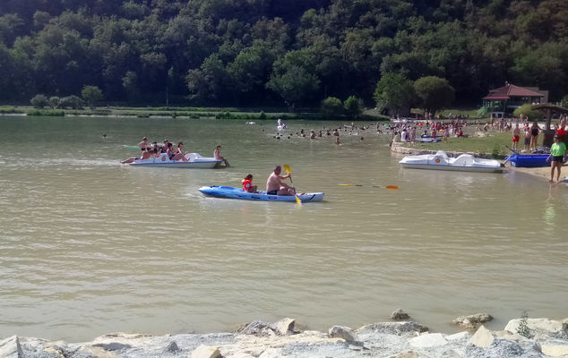 canoe-pedalo-lac-vert-catus