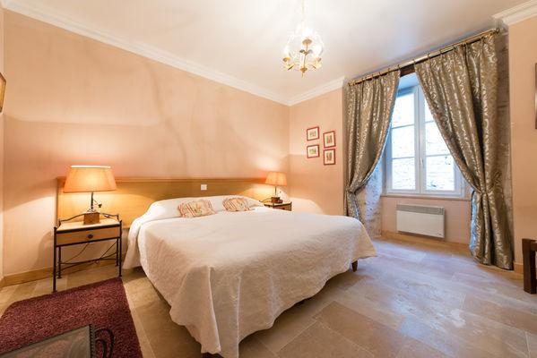 chambre 1 - La Maison des Chanoines - Turenne - Vallée de la Dordogne