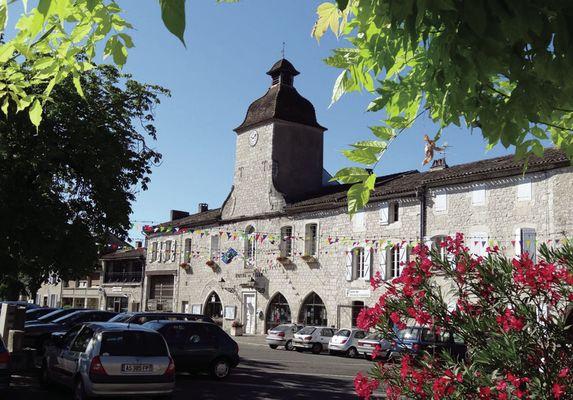 facade-mairie-CM-fleurs