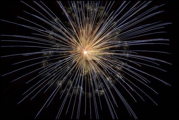 fireworks-102971_1280©christy1