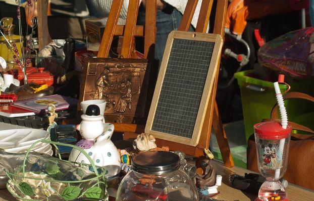 flea-market-1732562_1280©jackmac34